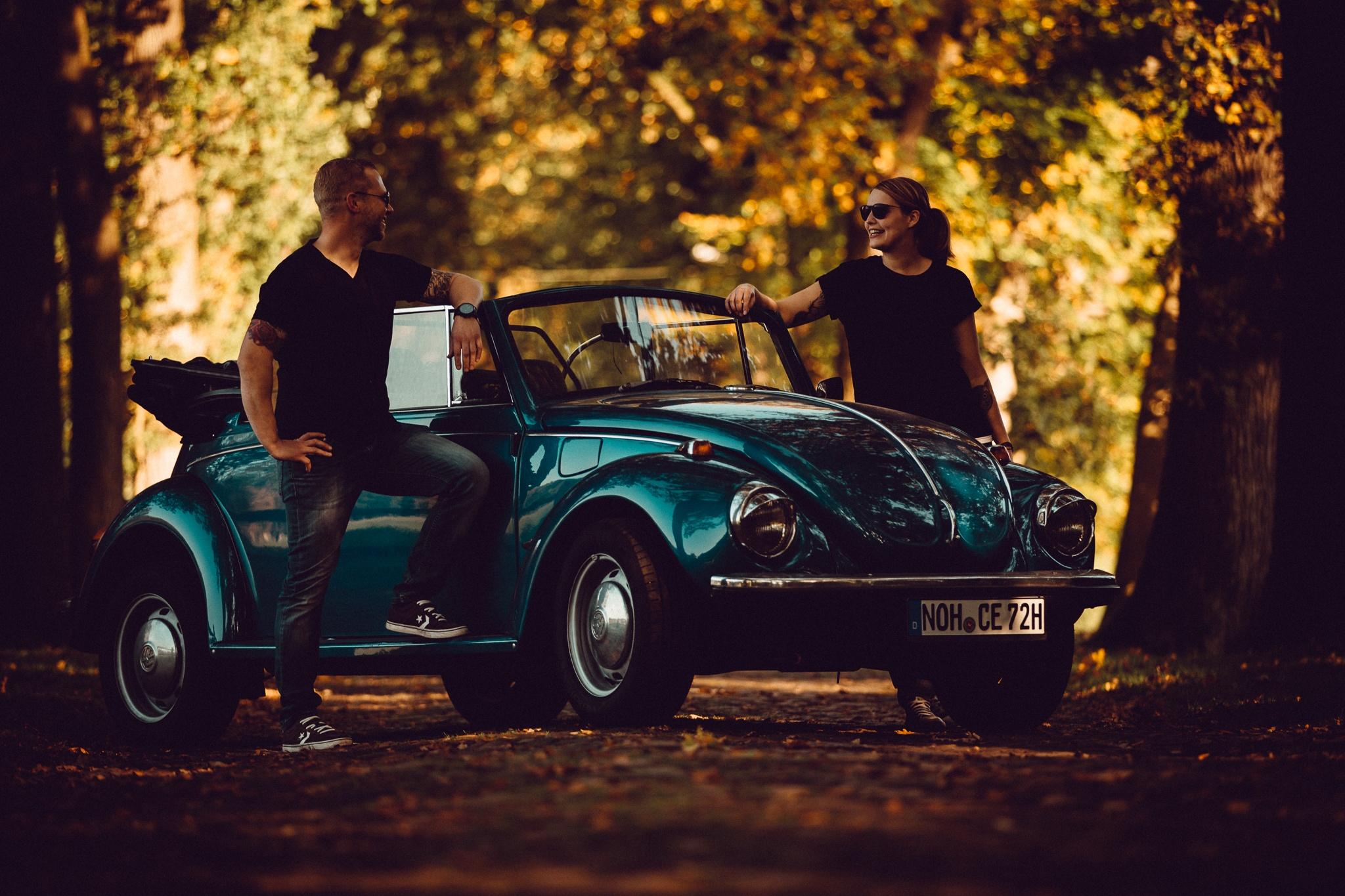 Päärchen Shooting mit VW Beetle Käfer